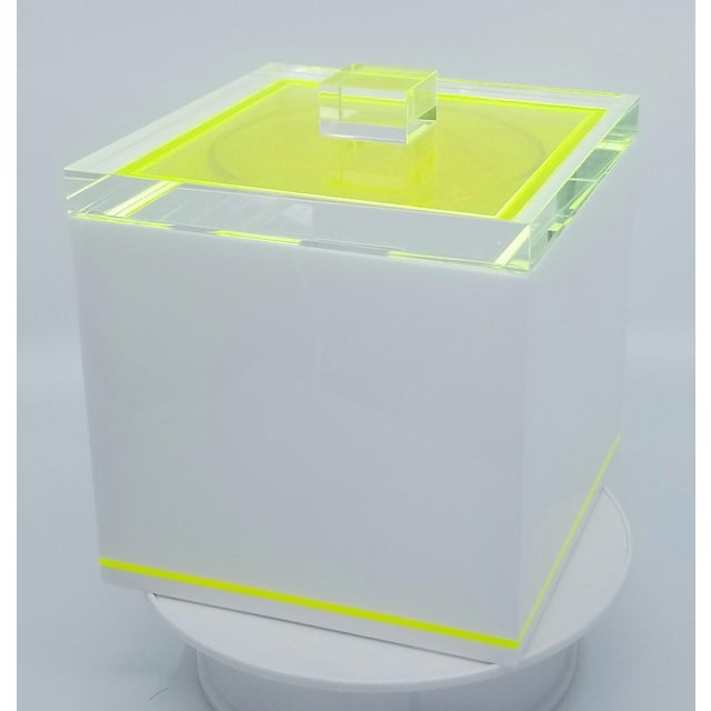 Tinsley Mortimer Fluorescent Neon Yellow and White Lucite Ice Bucket With Lid - Contemporary For Sale - Image 12 of 13