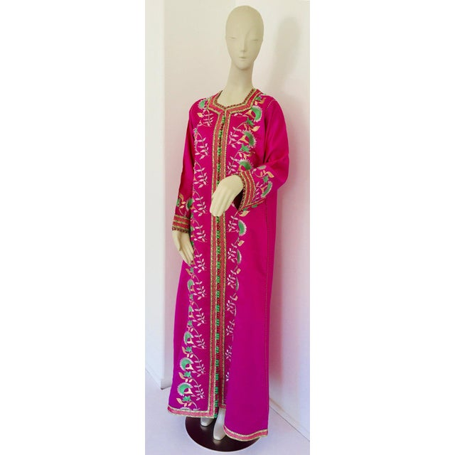 Gorgeous Moroccan Caftan in Hot Pink Fuchsia Maxi Dress Kaftan For Sale - Image 13 of 13