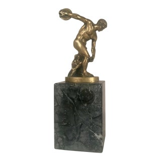 """Late 19th Century Bronze Discobolus, """"The Discus Thrower"""" Mounted on Marble For Sale"""