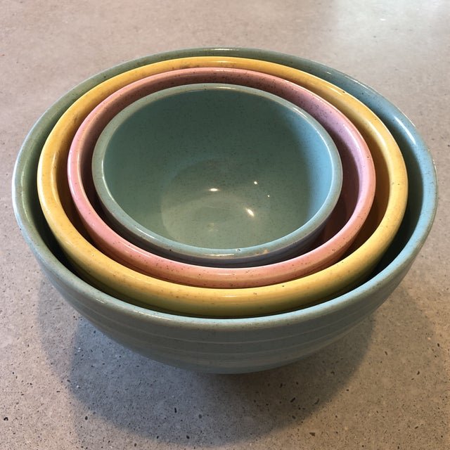Ceramic 1958 McCoy Pottery Nesting Mixing Bowls - Set of 4 For Sale - Image 7 of 8