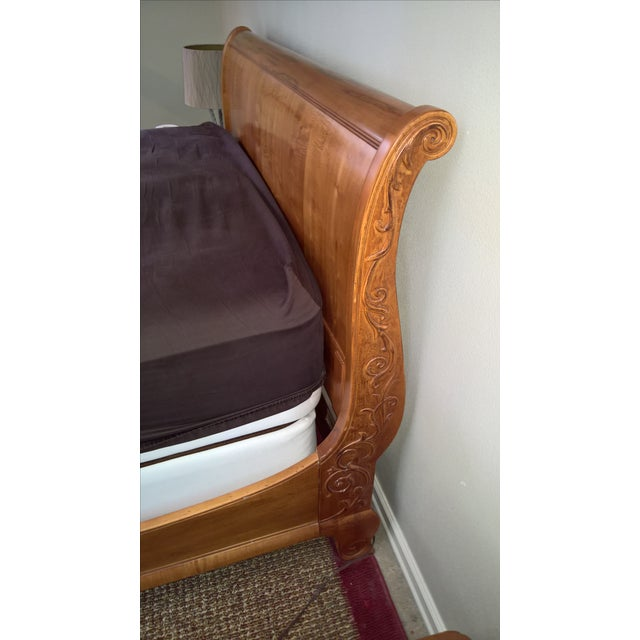 Ethan Allen Legacy Queen Sleigh Bed - Image 5 of 9