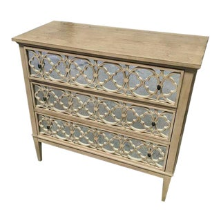 Hickory White Transitional Tracery Chest For Sale