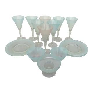 Dorothy Thorpe Glassware - 15 Piece Set For Sale