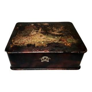 Late 19th Century Vintage Lacquered Papier-Mache Victorian Box For Sale