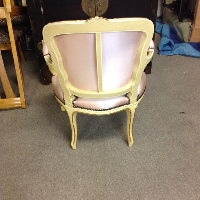 French Antique Pink Tufted Silk Chair & Ottoman - a Pair For Sale In West Palm - Image 6 of 11