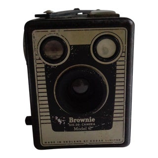Vintage English Kodak Brownie Six-20 Camera For Sale