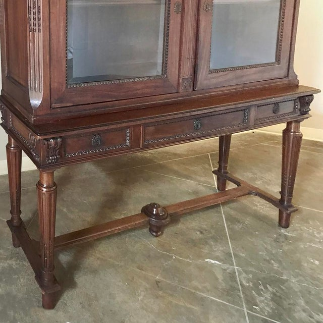 19th Century French Louis XVI Mahogany Bookcase ~ Vitrine For Sale - Image 9 of 12