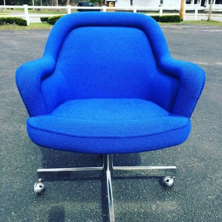 Mid-Century Swivel Chair in the Style of Max Pearson Preview