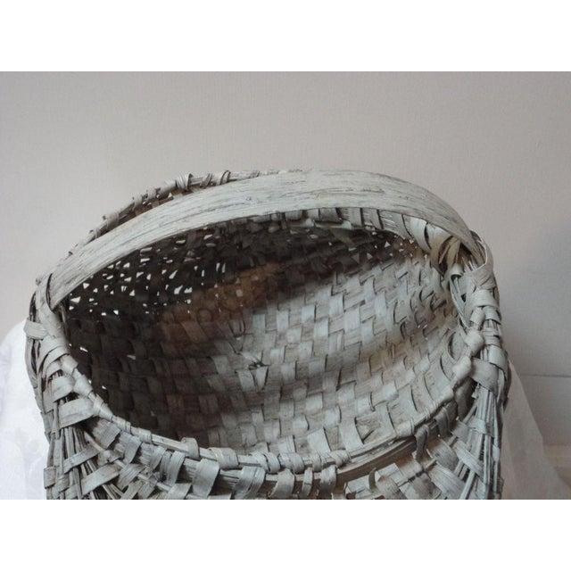 19th Century Original Grey Painted Honey Basket from Pennsylvania For Sale In Los Angeles - Image 6 of 7