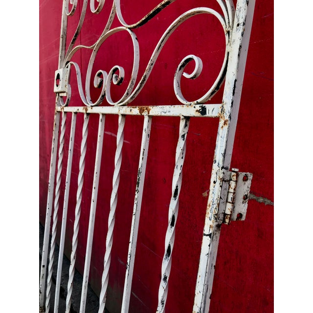 Metal 1940s Shabby Chic Rusty White Arched Wrought Iron Garden Fence For Sale - Image 7 of 11