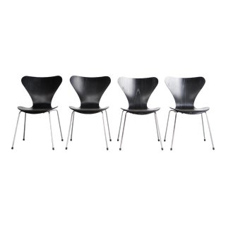 Arne Jacobsen Dining Chairs- Set of 4 For Sale
