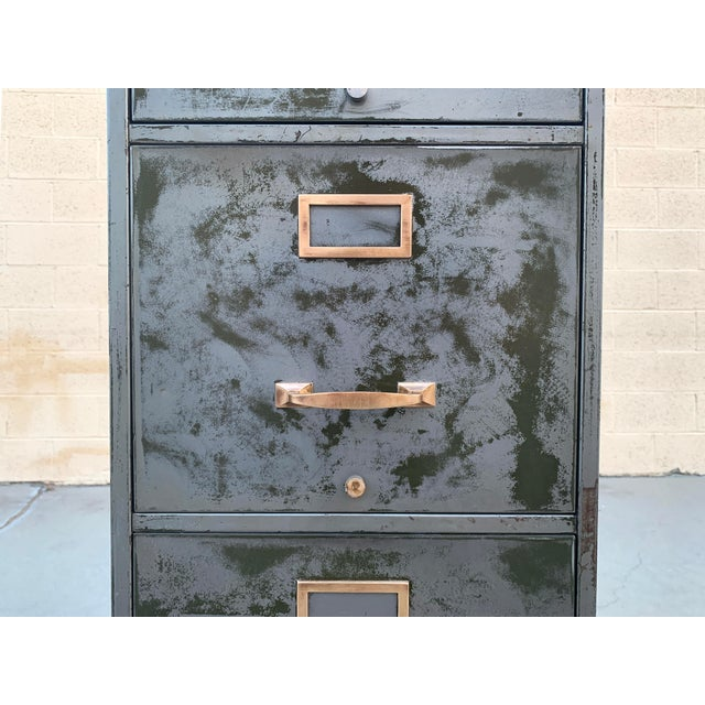 Industrial 1940s File Cabinet With Distressed Finish, 4 Drawer For Sale - Image 3 of 5