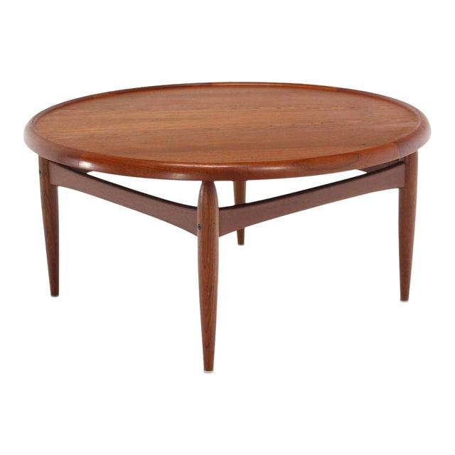 Reversible Flip-Top Danish Modern Round Teak Coffee Table For Sale