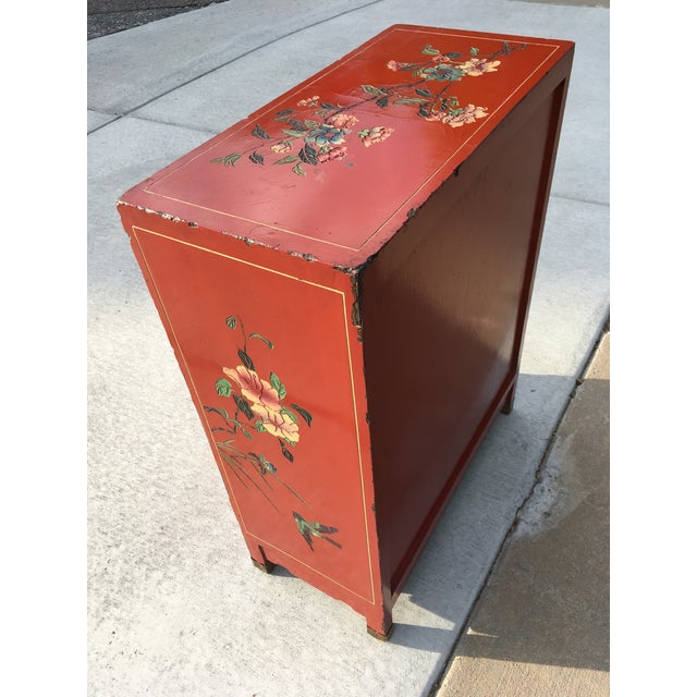 Early 20th Century Chinoiserie Hand Painted Cabinet For Sale In Denver - Image 6 of 13