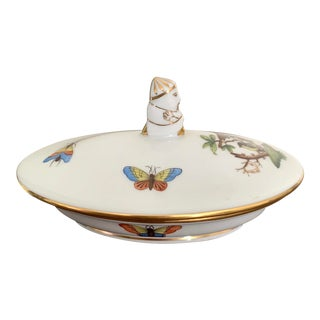 Herend Rothschild Bird Small Oval Box With Chinaman Figurative Finial- 175th Anniversary Stamp For Sale