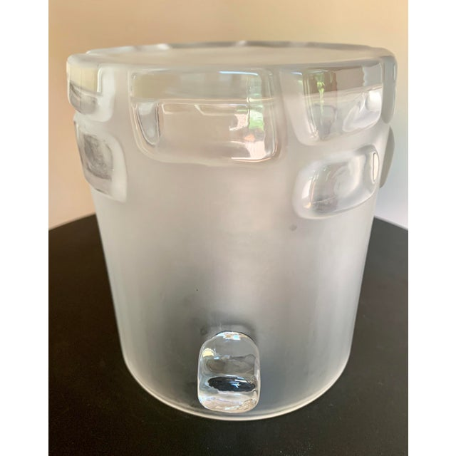 Antique Hand Blown Brutalist Glass Ice Bucket W/ Clear Relief Cut Cubical Band & Cube Handles For Sale In Atlanta - Image 6 of 11