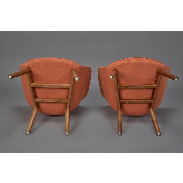 1950s Orange Fabric Mid-Century Modern Armchairs in Style of Eero Saarinen- A Pair For Sale - Image 5 of 6
