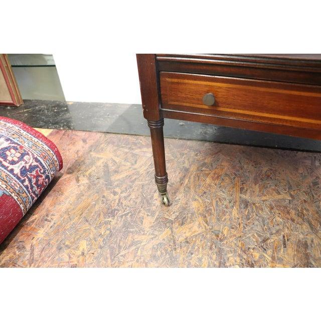 20th Century English Mahogany Wood Side Table or Cocktail Table For Sale - Image 10 of 11