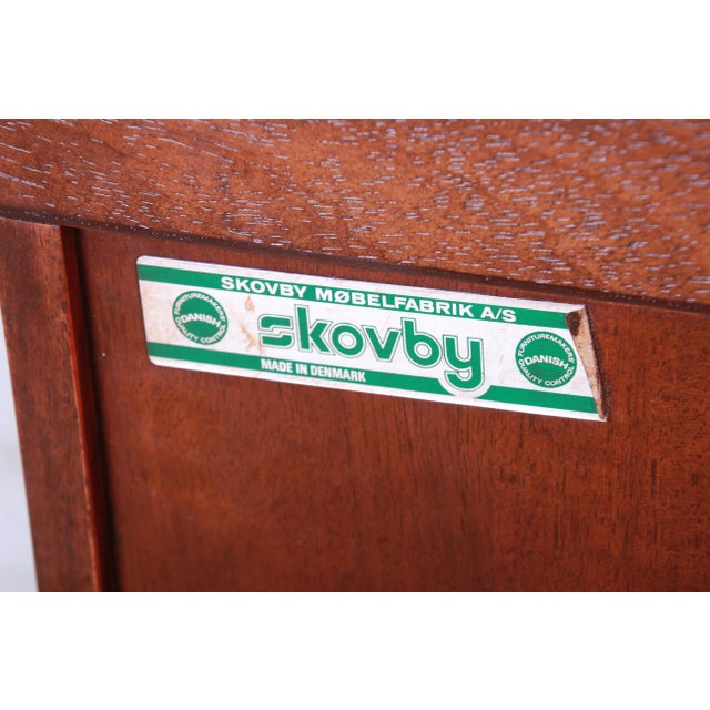 Skovby Danish Modern Rosewood Glass Front Bookcase on Hairpin Legs For Sale - Image 10 of 12