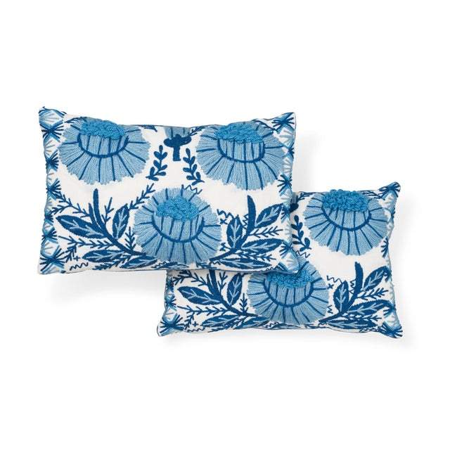 Contemporary Schumacher Marguerite Embroidery Pillow in Sky For Sale - Image 3 of 7