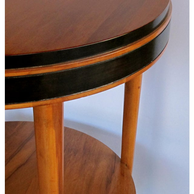Mid-Century Modern A sleek and stylish American mid-century modern ash circular side table with ebonized highlights For Sale - Image 3 of 4