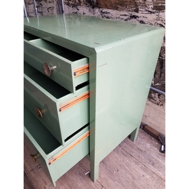 1930s 1930s Vintage Simmons Company Furniture 3-Drawer Steel Chest of Drawers For Sale - Image 5 of 8