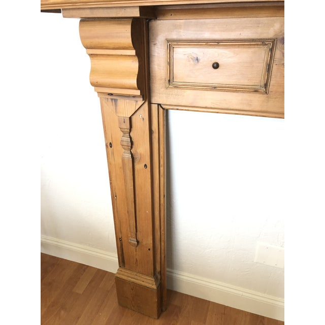 English Late 19th Century English Pine Mantel For Sale - Image 3 of 7