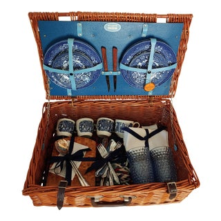 1980s Brooks Brothers Wicker Picnic Basket Set For Sale
