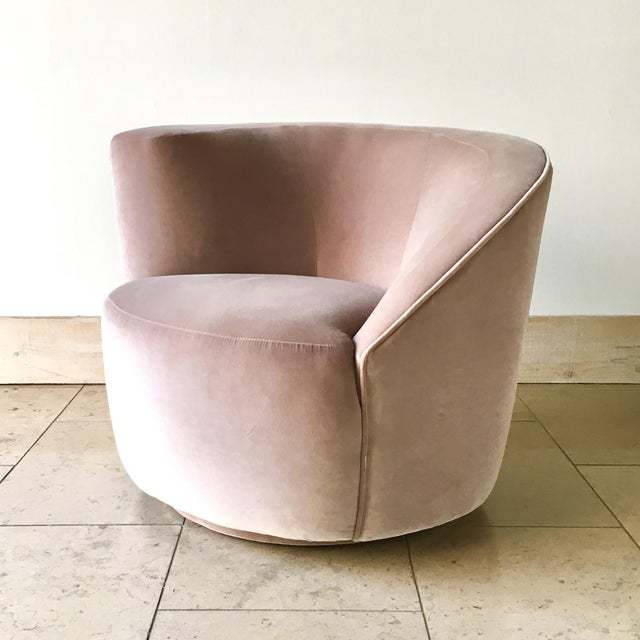 Vladimir Kagan Designed Nautilus Swivel Chair 1980s For Sale - Image 6 of 6