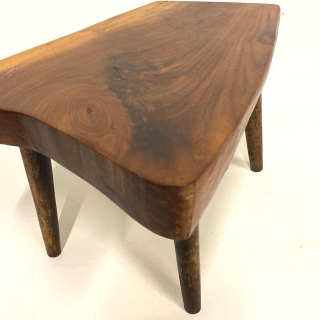 Mid-Century Modern Set of 3 Studio Craft Walnut Live Edge Roy Sheldon Tablesand Signed For Sale - Image 3 of 13