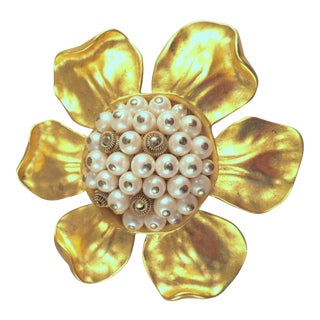 1980's Vintage Givenchy Paris Matte Gold & Faux Pearl Flower Brooch For Sale