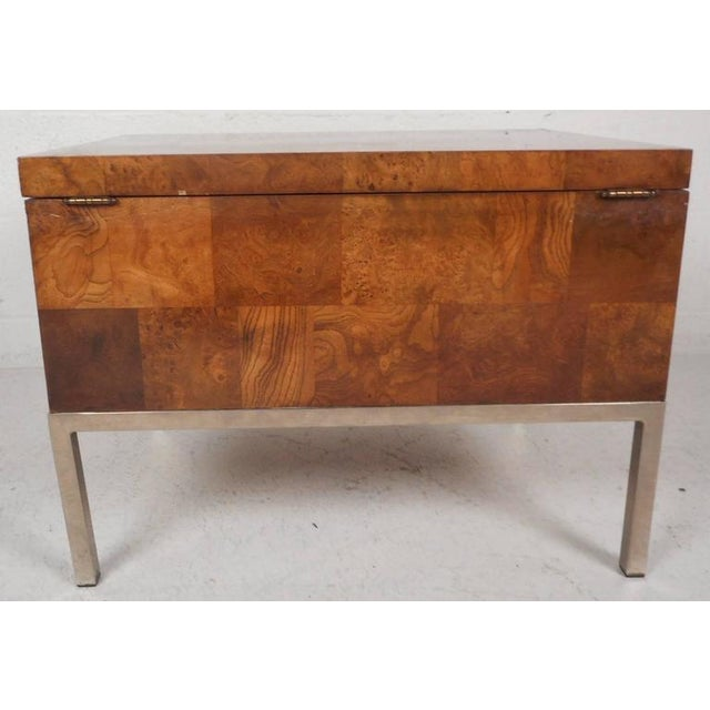Lane Furniture Mid-Century Modern Burl Storage Box with Chrome Base For Sale In New York - Image 6 of 11