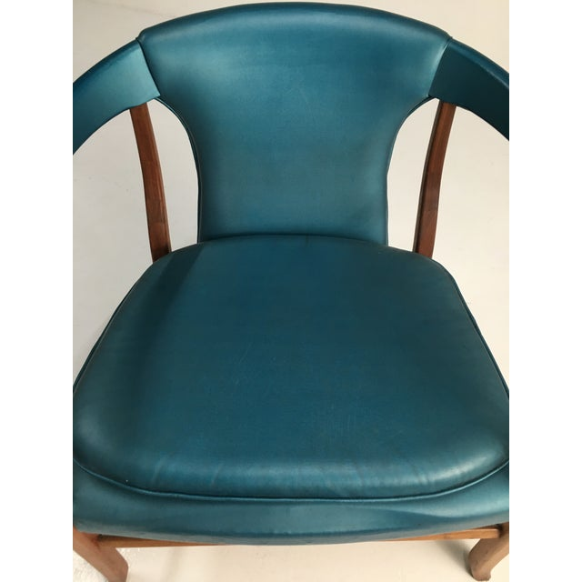 1950s Mid-Century Walnut Ming Horseshoe-Style Slipper Armchair For Sale - Image 5 of 13