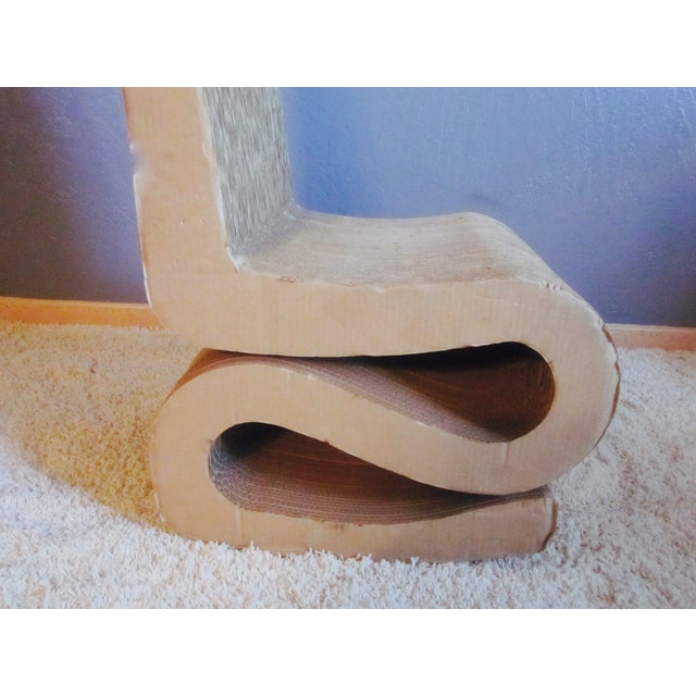 Gehry Inspired Cardboard Wiggle Chair - Image 10 of 10