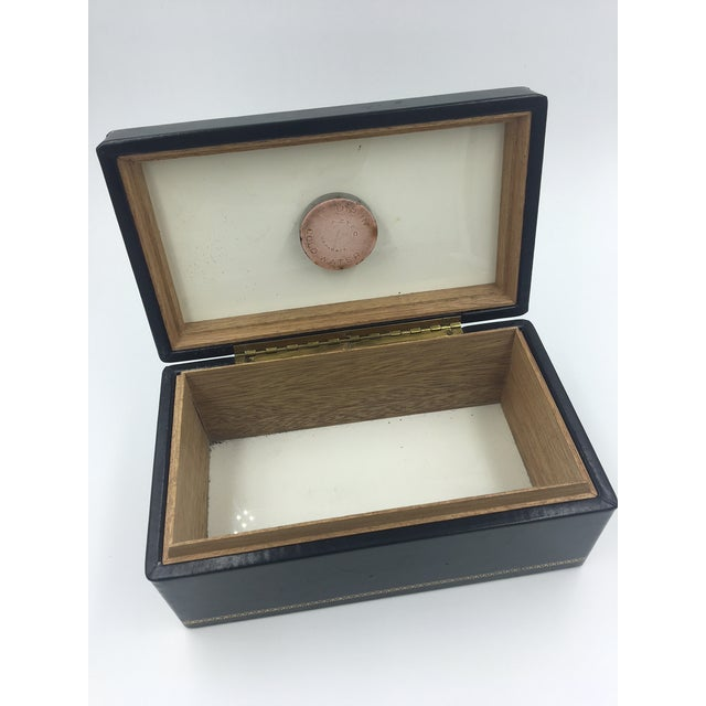 1990s Black Leather Embossed Humidor For Sale - Image 5 of 8