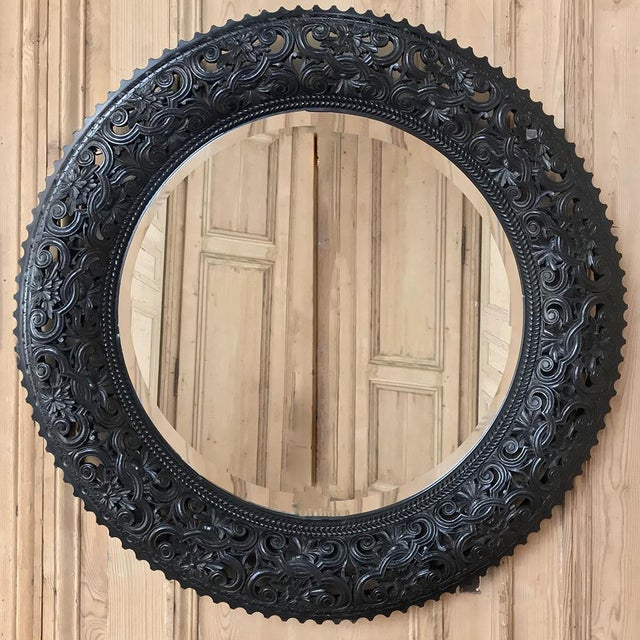 French 19th Century French Louis XVI Round Carved Wood Mirror For Sale - Image 3 of 11