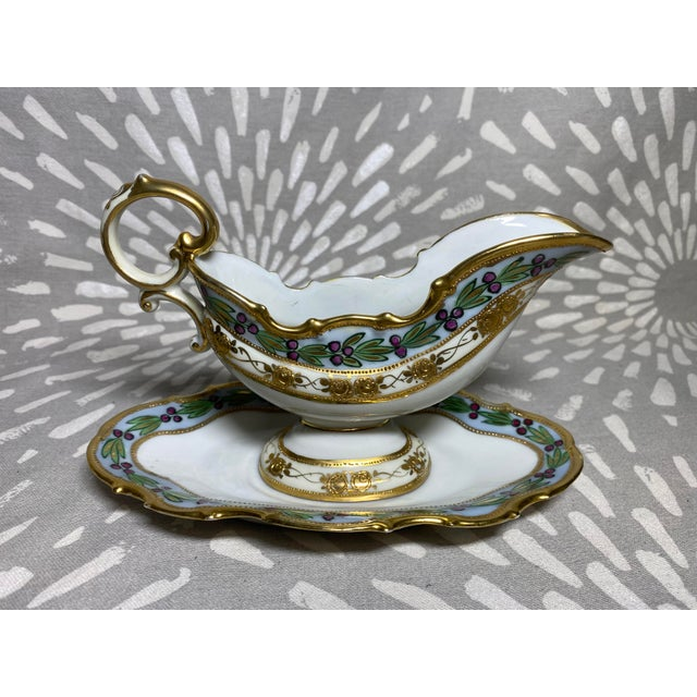 Antique Hand-Painted Floral & Grape Wreath Morimura Bros Nippon Gravy Boat With Drip Dish- 2 Pieces For Sale - Image 9 of 9