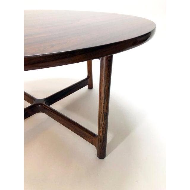 Rasmus Solberg Scandinavian Modern Arne Halvorsen for Rasmus Solberg of Norway Round Rosewood Coffee Table For Sale - Image 4 of 7