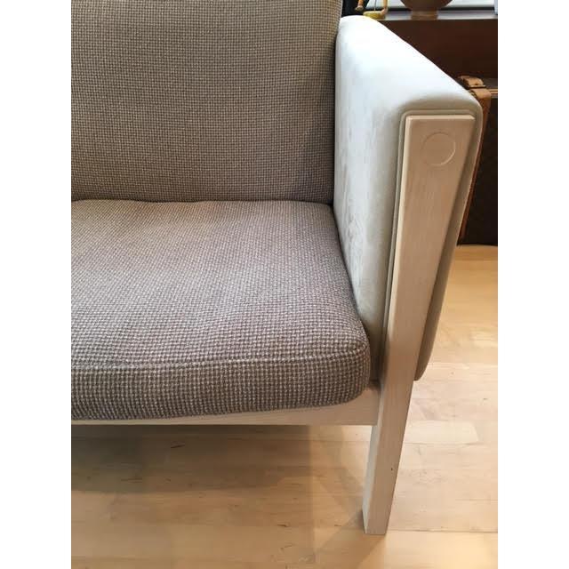 Carl Hansen Hans Wegner Ch162 Sofa For Sale - Image 3 of 4