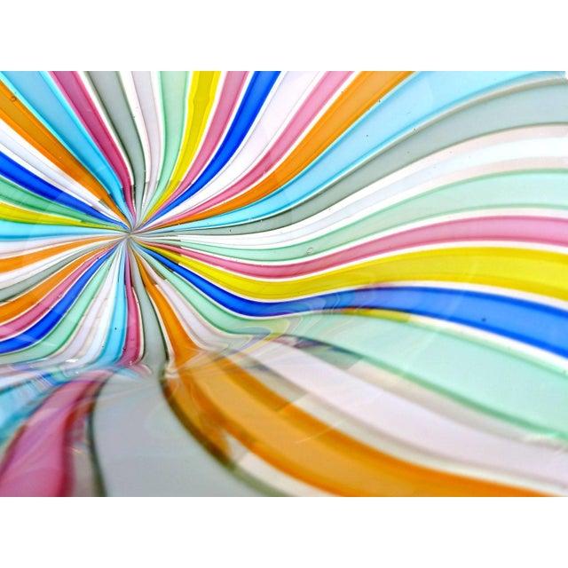 Mid-Century Modern Fratelli Toso Murano Rainbow Colors Filigrana Ribbons Italian Vintage Art Glass Bowl For Sale - Image 3 of 6