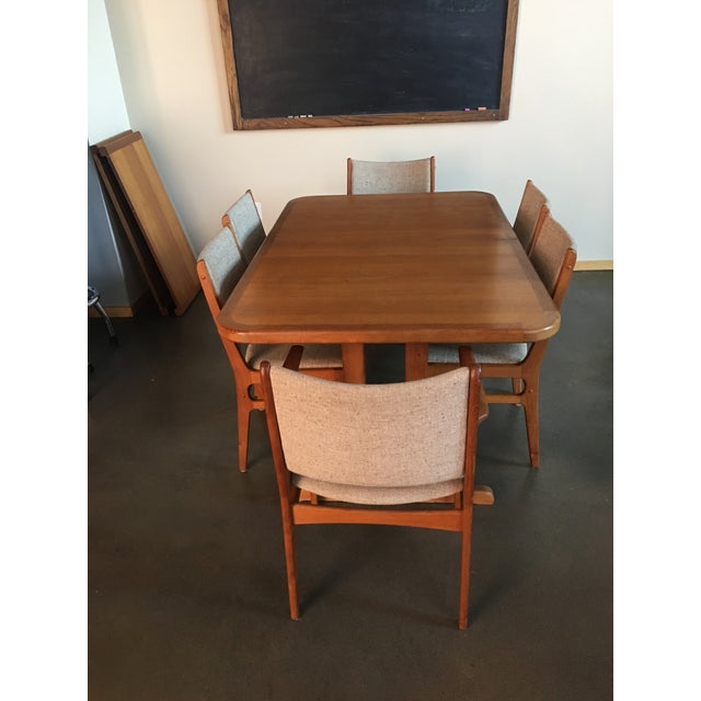 1980s Danish Modern Teak Extension Table With 2 Leaves and 6 Teak and Linen Chairs For Sale - Image 5 of 9