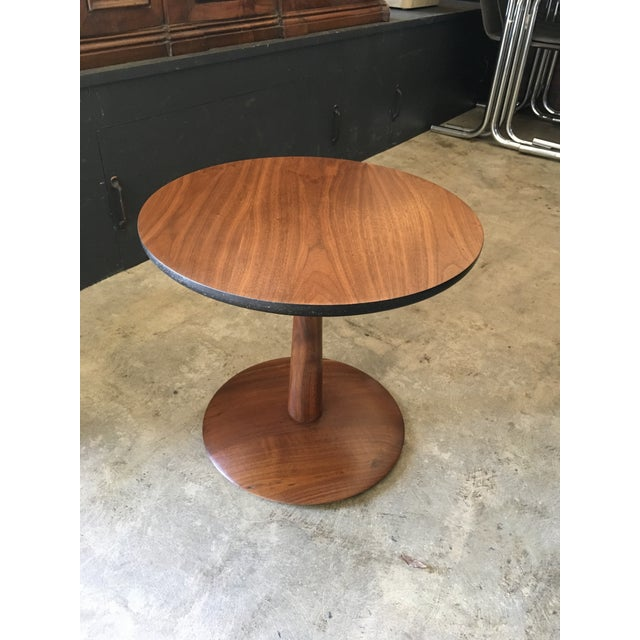 Wood 1950s Mid-Century Modern Round Walnut Pedestal Base Side Table For Sale - Image 7 of 7