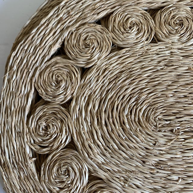 Scrolled Natural Sea Grass Placemats Set of Five For Sale In Los Angeles - Image 6 of 8