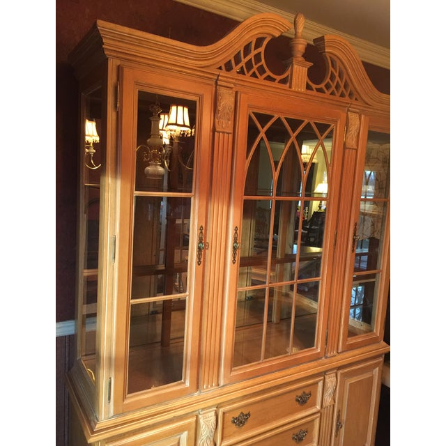 Late 20th Century Chippendale Style China Cabinet For Sale - Image 4 of 6