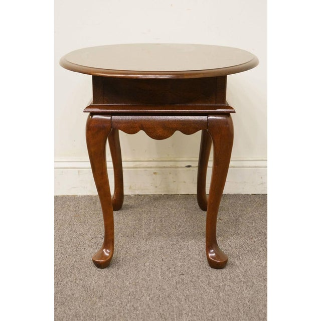 Late 20th Century Mersman Solid Cherry Queen Anne Oval End Table For Sale - Image 5 of 8