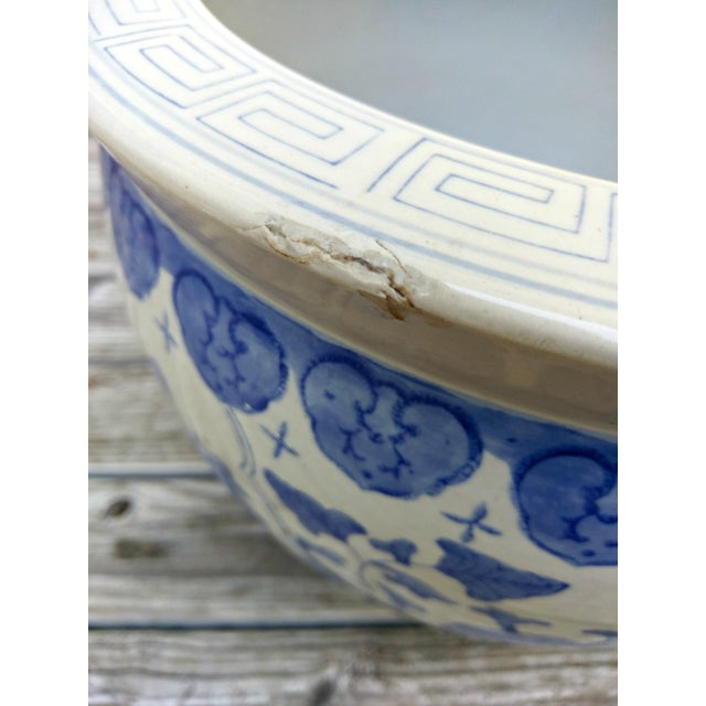 Large Asian Blue & White Pot For Sale In Orlando - Image 6 of 7