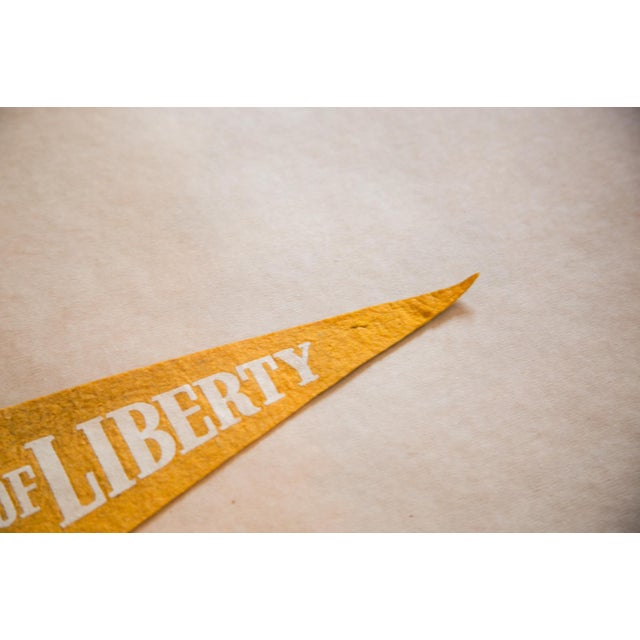 :: Statue of Liberty Felt Flag banner that is so charming and fun! Circa 1960s with great coloration. This felt flag...