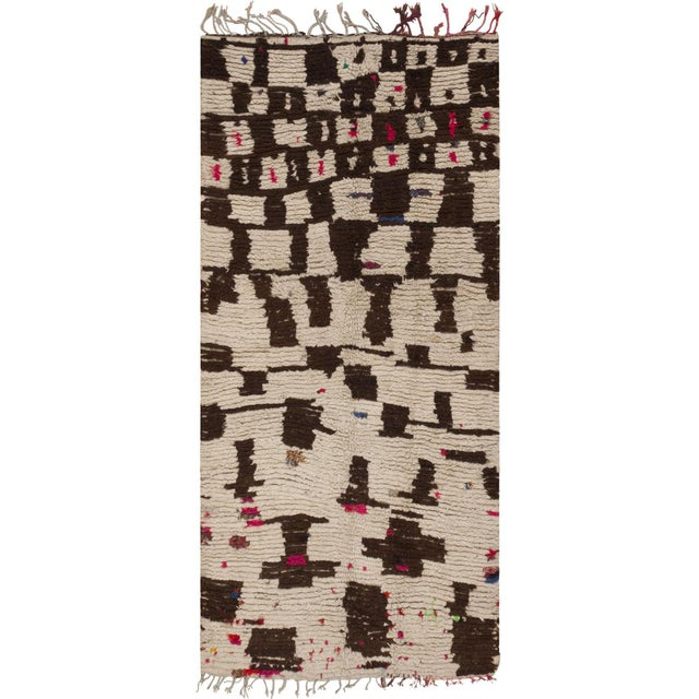 Vintage Mid-Century Modern Moroccan Rug - 4′ × 9′ For Sale - Image 9 of 9