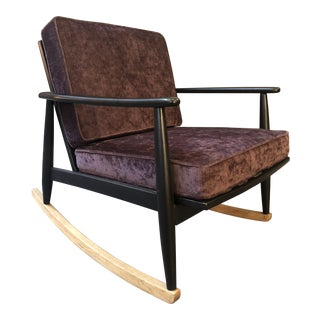 Mid-Century Style Rocking Chair in Velvet Upholstery For Sale