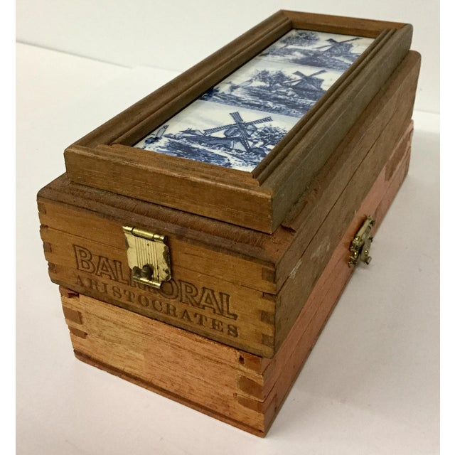 1960 English Traditional Cigar Boxes With Delftware Tile & Glass -a Pair For Sale - Image 10 of 13